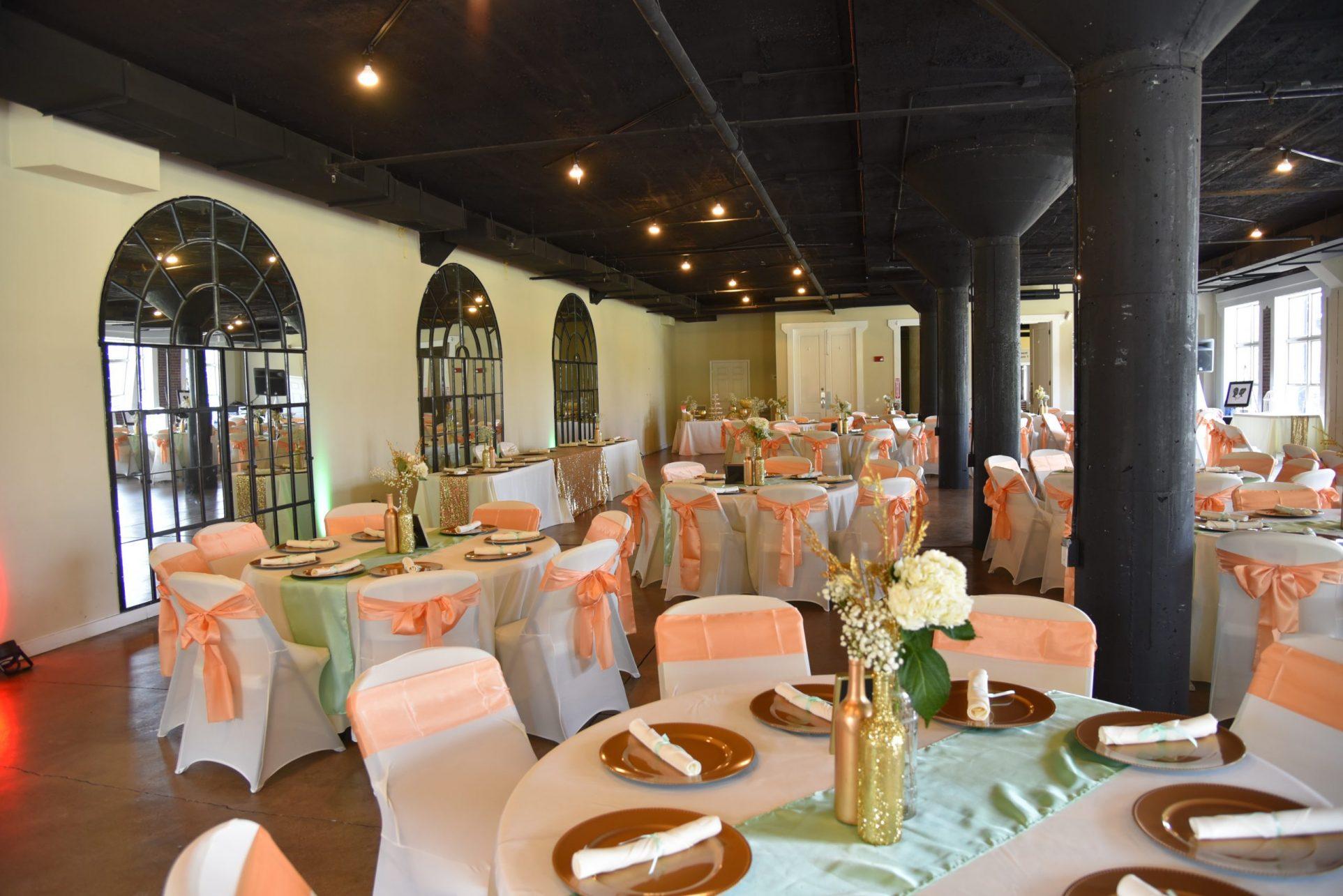Monet Room: Set Tables